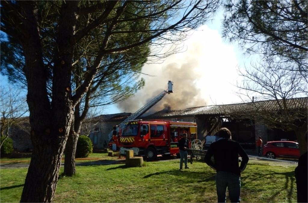 Un Appel à La Solidarité Pour Aider Une Jeune Famille Après L'incendie De Sa Ferme à Caignac